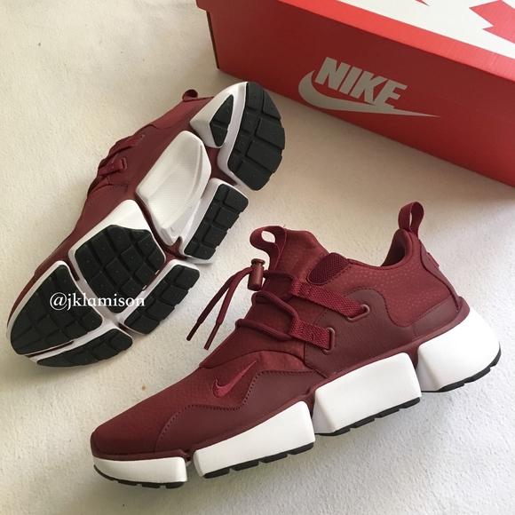 Nike POCKET KNIFE DM Men's Slip-On Red Sneakers